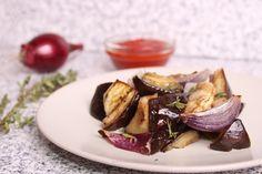 Vinete cu ceapă roşie la cuptor Beef, Recipes, Food, Meal, Food Recipes, Essen, Rezepte, Hoods, Ox