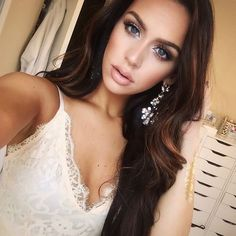 10 Beautifully Glamorous Bridal Makeup Looks