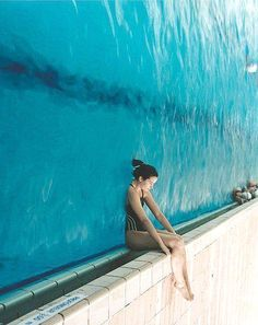Forced Perspective Photography With 18 Images Creative Photography, Amazing Photography, Photography Poses, Digital Photography, Illusion Photography, Fashion Photography, Water Photography, Swimming Pool Photography, Travel Photography