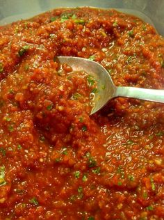 Discover how to make salsa in the food processor. Tomatoes combine with other Mexican ingredients in the food processor to make this vibrant salsa recipe. Mexican Food Recipes, Snack Recipes, Cooking Recipes, Healthy Recipes, Ethnic Recipes, Cooking Ideas, Snacks, Salsa Recipe Food Processor, I Love Food