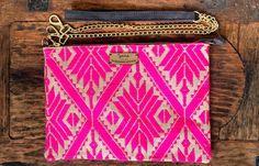 En Zamá queremos que te sientas parte del diseño de tu bolsa!! Por eso tenemos la opción de que elijas el color de tus pompones, siéntete creativa y usa la imaginación!! #zamaqro #bordadootomí #hechoamano #hechoenmexico #queretaro #rosa #pompon #bolsas