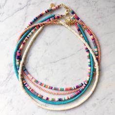 making beaded jewelry Diy Bracelets Easy, Summer Bracelets, Summer Necklace, Bracelet Crafts, Summer Jewelry, Diy Necklace, Necklaces, Necklace Ideas, Seed Bead Jewelry