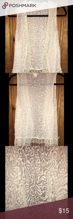 😍DAYTRIP BEAUTIFUL CREAM LACE & FRINGE VEST😍 EXCELLENT CONDITION 73% POLYESTER 27% NYLON DAYTRIP Jackets & Coats Vests