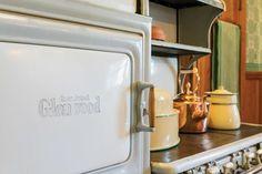 Vintage Kitchen Appliances, House Journal, Vintage Stoves, Antique Stove, Glass Front Cabinets, Kitchen Upgrades, Kitchen Ideas, Small Doors, Storage Places