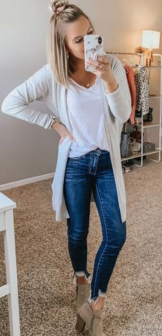 flawless spring outfits to copy now 40 ~ telo. - - flawless spring outfits to copy now 40 ~ telo… – – Source by Mode Outfits, Fall Outfits, Casual Outfits, Summer Outfits, Fashion Outfits, Womens Fashion, Spring Skinny Jeans Outfits, Grey Cardigan Outfits, Girls Weekend Outfits
