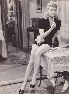 Betty Grable in Footlight Serenade (1942). With her pin-up legs!