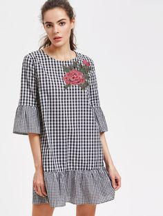 Vestido de cuadros con aplicación de rosa y ribete con volantes -Spanish SheIn(Sheinside)