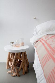 Nightstand, would change top to a log ring Zoella Bedroom, Home Bedroom, Bedroom Decor, Bedrooms, Interior Styling, Interior Decorating, Twig Furniture, Deco Originale, New Room