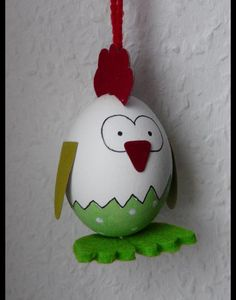 Es handelt sich um ausgepustete Eier (keine Kunsteier), mit Acrylfarbe bemalt und mit Lack besprüht, damit sie schön glänzen und lange halten. Zum Dekorieren eures Osterstrauches, einer Osterschale...