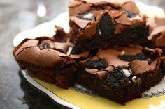 Fudge brownies w/ Oreo pieces o_o