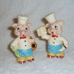 Vintage Pig Chef Cooks Anthropomorphic Salt and Pepper Shakers LARGE Figurines Family Coloring Pages, Vintage Kitchenware, This Little Piggy, Salt And Pepper Set, How To Make Pillows, Stuffed Animal Patterns, Salt Pepper Shakers, Stuffed Peppers, Cookie Jars