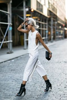 Summer street style fashion #fashion #womensfashion #streetstyle #summerfashion / Pinterest: @fromluxewithlove /www.fromluxewithlove.com