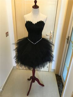 Find More Prom Dresses Information about Feather Short Evening Party Tulle Ball Gown Homecoming Dress Strapless Sweetheart Neck Knee Length Short Fashion Dress Prom,High Quality dress band,China dresses shorts Suppliers, Cheap dress up summer fashion from Loveperfect on Aliexpress.com
