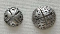 Antique / ancient beads.  (trade beads, silver, ornaments, necklace, ethnic, tribal, vintage, ancient, pre-Columbian, stone, Jade, Peruvian, Mayan, shell, bone, glass, Venetian, Africa, African, Berber, Mali, Mauritania.)