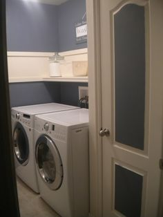 Need help for your small laundry room? Check out these 25 great ideas for making the most of a small laundry, be it a closet, bath shared space or a tiny room! Laundry Room Colors, Blue Laundry Rooms, Laundry Room Wall Decor, Laundry Room Signs, Laundry Closet, Laundry Room Organization, Basement Laundry, Room Decor, Small Laundry Space