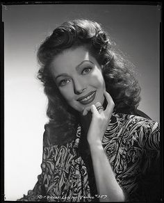 Birth Name: Gretchen Young Born: 6 January 1913 Died: 12 August 2000 Country of origin: United States Height: Relationship Status: Married Partner: Jean Louis Berthault Loretta Young Classic Hollywood, In Hollywood, Hollywood Actresses, Bishop Wife, Judy Lewis, George Hurrell, Loretta Young, Cultura General, A Night To Remember