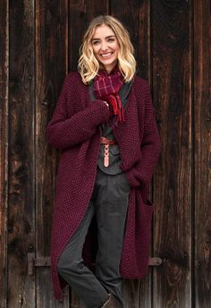 Burgundy Outfit, Burgundy Cardigan, Chunky Cardigan, Knit Cardigan, Cute Casual Outfits, Stylish Outfits, Pretty Outfits, Beautiful Outfits, Girl Outfits