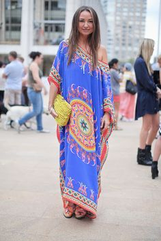 Kaftan caftan and shoes by Camilla; clutch by Jimmy Choo Boho Chic, Bohemian Mode, Bohemian Style, Moda Boho, Gypsy Style, Style Me, Style Nomade, Bohemian Schick, Boho Fashion