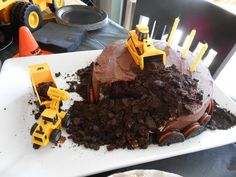 """Dirt"" cake at a Construction Party #construction #partycake"