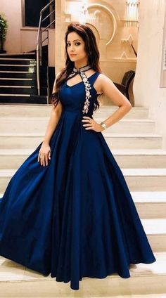 Evening Gowns just for you Indian Wedding Gowns, Indian Gowns Dresses, Dress Indian Style, Indian Outfits, Designer Gowns, Indian Designer Wear, Moda Indiana, Anarkali, Lehenga