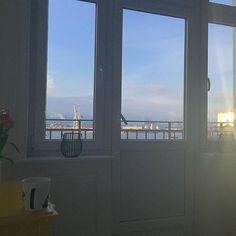 Guuuuten Morgen ️ First coffee in bed und gleich auf in die City - Urlaub ist schon was feines ️ Auch wenn ich irgendwie etwas zu früh wach bin.Naja,mehr vom Tag  #bedroom #butfirstcoffee #coffee #goodmorning #gutenmorgen #Hamburg #happytuesday #hh #home #homedecor #homeinspo #homeinterior #homesweethome #interieur #interior #myhome #myview