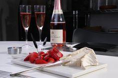 Champagne, Délice de Bourgogne och jordgubbar - Uplifting - allt om god mat - recept, tips, restauranger, dryck