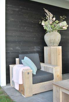 XXL Stuhl - Gartenmöbel aus Bauholz ähnliche tolle Projekte und Ideen wie im Bild vorgestellt findest du auch in unserem Magazin . Wir freuen uns auf deinen Besuch. Liebe Grüße