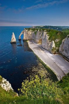 "-vvaste: ""The Cliffs At Etretat - France (by ~ Floydian ~ ) "" Etretat Normandie, Etretat France, Wonderful Places, Great Places, Places To See, Beautiful Places, Falaise Etretat, Belle France, France Travel"