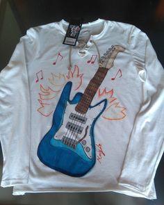 Camisetas pintadas a mano, exclusivas.  La música en mis creaciones. #pintadaamano,#pintandomusica