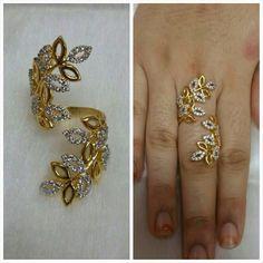 Gold rings jewelry Nail Desing e-art nail design budapest Gold Ring Designs, Gold Jewellery Design, Gold Rings Jewelry, Pendant Jewelry, Copper Jewelry, Jewellery Sketches, Jewelry Sketch, Gold Finger Rings, Schmuck Design