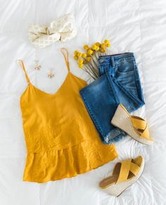 Best Inspiring Cute Summer Outfits For Girl Best inspirational sweet summer outfits for girls Mode Outfits, Trendy Outfits, Girl Outfits, Fashion Outfits, Womens Fashion, Fashion Trends, Ladies Fashion, Simple Outfits, Cool Summer Outfits