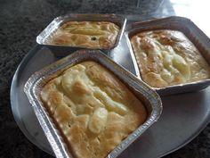A Torta na Marmita é deliciosa e fácil de fazer. Faça para vender ou para seus familiares e amigos. Todos vão amar! Veja Também: Torta de Queijo, Presunto