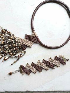 Macrame Earrings, Macrame Jewelry, Fabric Jewelry, Macrame Bracelets, Diy Bracelets Easy, Bracelet Crafts, Crochet Bracelet, Micro Macramé, Wire Wrapped Jewelry