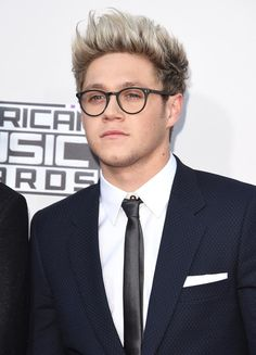 Harry Styles' Floral Flares & Niall Horan's Glasses Prove We're At Peak One Direction | MTV UK