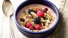Try this quick muesli version of a smoothie bowl.