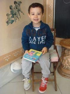 Francesco ha comprato il libro Peppa Pig.. Ma...,che scarpe scegliere?