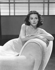 Hedy Lamarr, Known to be one of the most beautiful actresses during the Golden Age Of Hollywood - Hollywood Walk Of Fame, Hollywood Stars, Hollywood Icons, Old Hollywood Glamour, Golden Age Of Hollywood, Vintage Glamour, Vintage Hollywood, Hollywood Actresses, Classic Hollywood