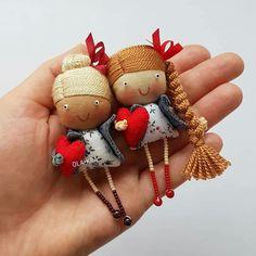 ideas sewing diy doll for 2019 Tiny Dolls, Soft Dolls, Doll Crafts, Sewing Crafts, Sewing Diy, Sewing Dolls, Fabric Dolls, Handmade Toys, Brooches Handmade