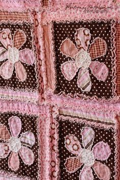 Rag Flower Quilt… Love the colors. If I only knew how to quilt. Patchwork Quilting, Quilting Tips, Applique Quilts, Quilting Projects, Quilting Designs, Sewing Projects, Machine Quilting, Patchwork Blanket, Fabric Crafts