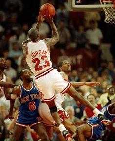 Hace 19 años Michael Jordan alcanzaba 29.000 pts. en su carrera, solo dos jugadores lo habían logrado antes(Kareem, Chamberlain). #Leyenda Basket Devotion tu tienda de baloncesto. Somos especialistas en zapatillas de baloncesto.