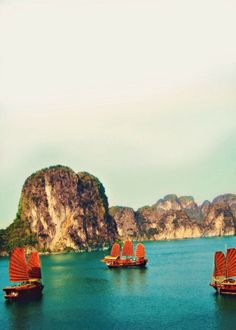One of the most beautifull places in Asia. Ha Long Bay, Vietnam. #travel #Asia #Vietnam