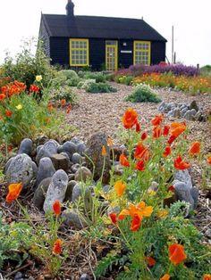 41 stunning small cottage garden ideas for backyard inspiration Seaside Garden, Coastal Gardens, Beach Gardens, Small Cottage Garden Ideas, Garden Cottage, Home And Garden, Backyard Cottage, Gravel Garden, Most Beautiful Gardens