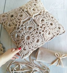 Knitting Crochet Deco Hacer Punto Estilo - Diy Crafts - maallure So what will be… in 2020 (With images) Crochet Pillow Cases, Crochet Pillow Patterns Free, Crochet Cushion Cover, Crochet Mandala Pattern, Crochet Motifs, Crochet Cushions, Crochet Squares, Diy Crafts Crochet, Crochet Home