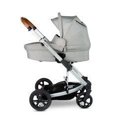 Looking for a stroller that delivers the perfect combination of FUNCTIONALITY, STYLE and unsurpassed SAFETY day-in, day-out? Explore our range of strollers/ prams today! | Redsbaby