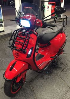 ● Motor Scooters, Vespa Scooters, Vespa Sprint, Scooter Custom, Scooter Bike, Vespa Lambretta, Cars And Motorcycles, Vehicles, Sheet Metal