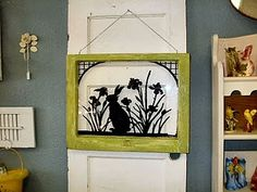 Dishfunctional Designs: Window of Opportunity: Old Salvaged Windows Get New Life As Unique Decor Upcycled Home Decor, Diy Home Decor, Small Projects Ideas, Project Ideas, Craft Ideas, Diy Projects, Diy Crafts Magazine, Diy Wall Art, Wall Decor