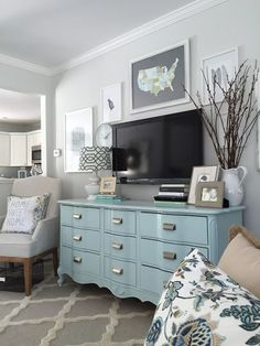 Best 34 Cheap Coastal Living Room Furniture Ideas - Bardalph News Coastal Living Rooms, Home Living Room, Living Room Furniture, Living Room Decor, Dresser In Living Room, Decor Room, Decor For Tv Wall, Apartment Living, Decorate Apartment