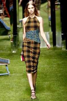 Versus Versace Spring 2011 Ready-to-Wear Fashion Show - Samantha Gradoville