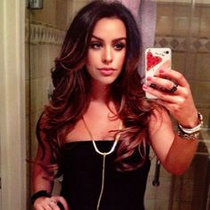 If you don't know about Carli Bybel you need to. AMAZING hair and make up tutorials on You Tube. AMAZING!!!!!