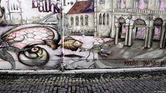"""Kel Kirkland mandó una foto de un mural en la pared de los famosos y exclusivos Baños Occidentales en Glasgow, Escocia. Cuenta que el mural fue """"hecho por un artista español muy conocido y apareció una mañana. Por desgracia, en unos pocos días las obra estaba cubierta de grafiti""""."""